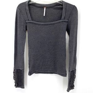 F.P GRAY SQUARE NECKLINE LACE ACCENTED THREMAL TOP